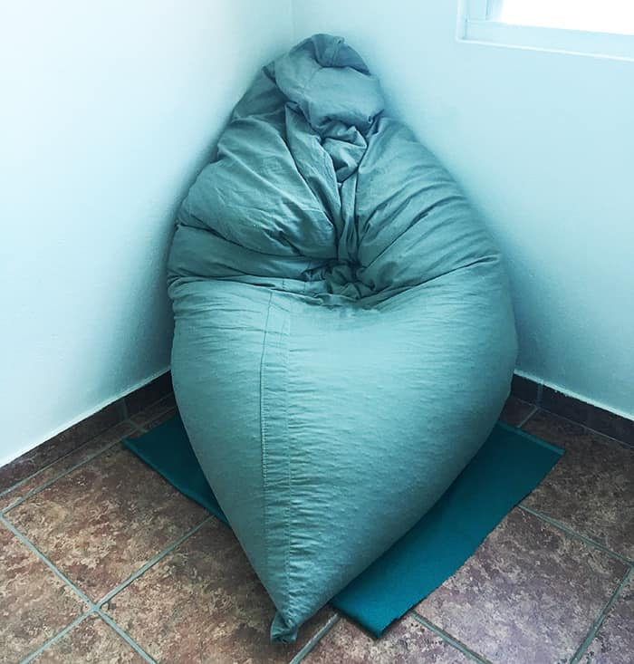 Surprising How To Make A Bean Bag Chair Out Of Old Blankets Learn To Ibusinesslaw Wood Chair Design Ideas Ibusinesslaworg