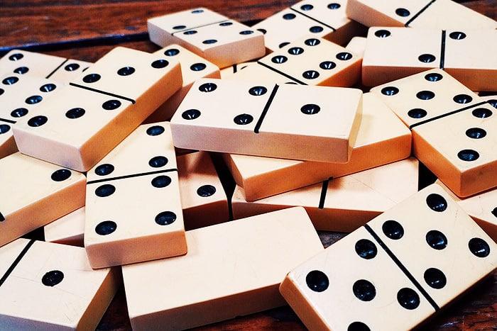 DIY giant dominoes set