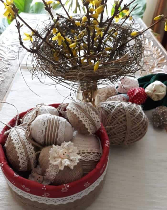 Country style Easter centerpiece decor