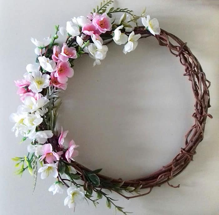 traditional easter wreath craft