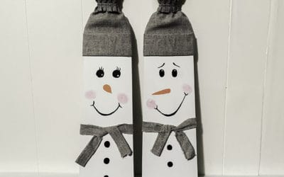 Painted snowman on wood Christmas decoration DIY