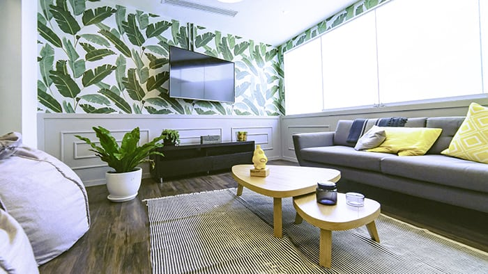 green wallpaper in livingroom