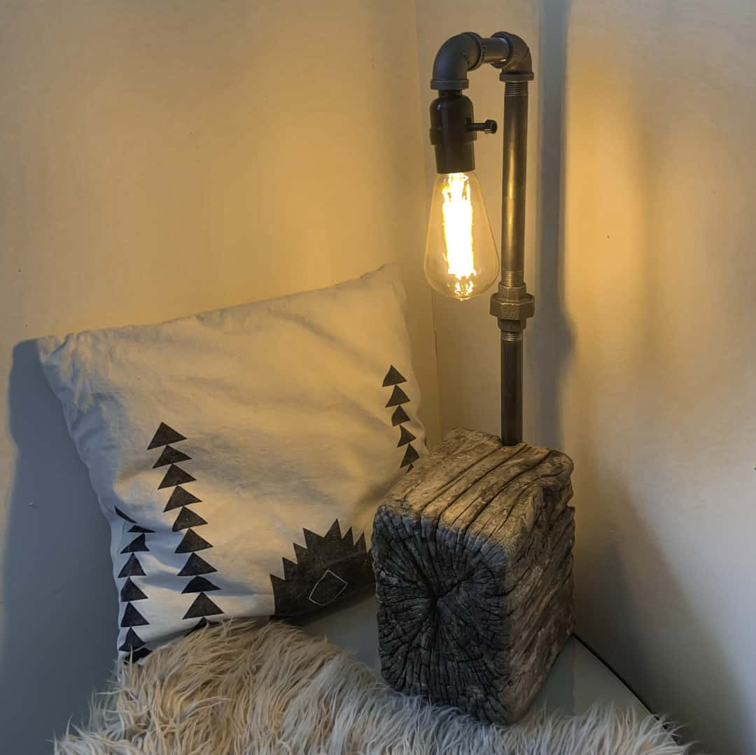 DIY lamp with driftwood
