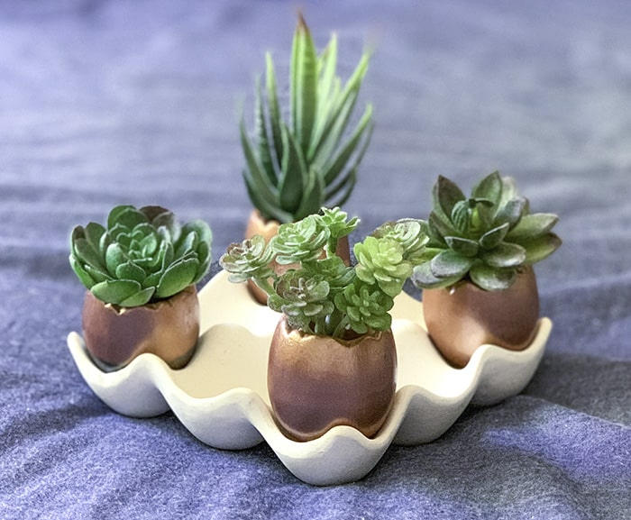 mini planters painted with rose gold DIY