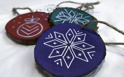 How to paint wood slice ornaments with nordic patterns